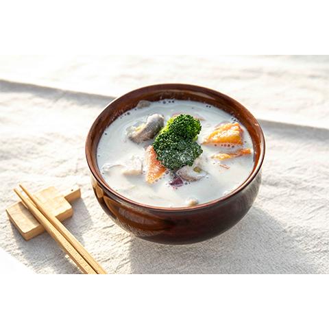 【濃いアーモンドミルクレシピ】濃いアーモンドミルクのごろごろ野菜のけんちん汁