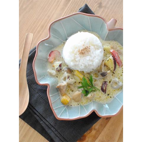 【濃いアーモンドミルクレシピ】根菜のグリーンカレー(だしクリエイター/料理家・菊地先生 考案レシピ)
