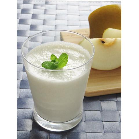 【濃いアーモンドミルクレシピ】洋ナシとアーモンドミルクのスムージー