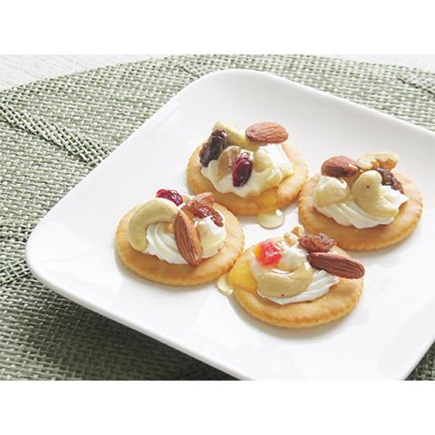 【濃いアーモンドミルクレシピ】アーモンドミルクとクリームチーズのカナッペ