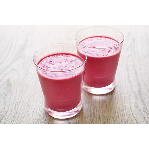 【濃いアーモンドミルクレシピ】アーモンドミルクのピンクスムージー